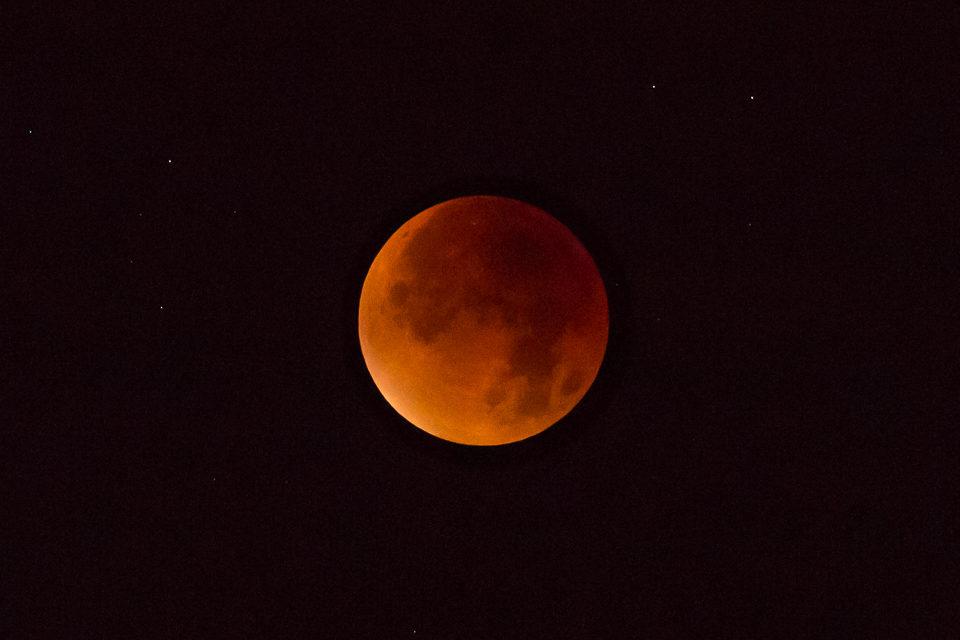 maansverduistering rode maan